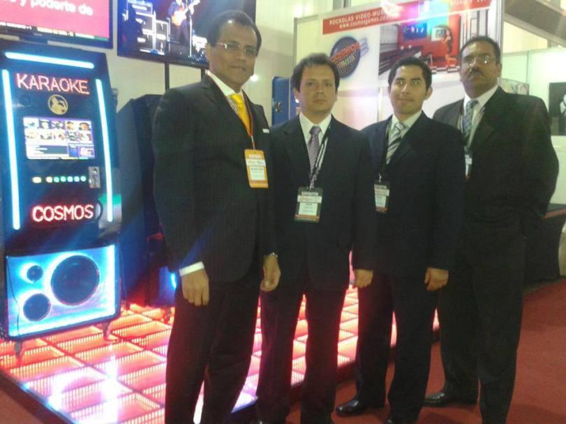 Wilmer Marquez, César Flores, Oscar Casimiro y Cesar Andia, representantes de Cosmos Games.