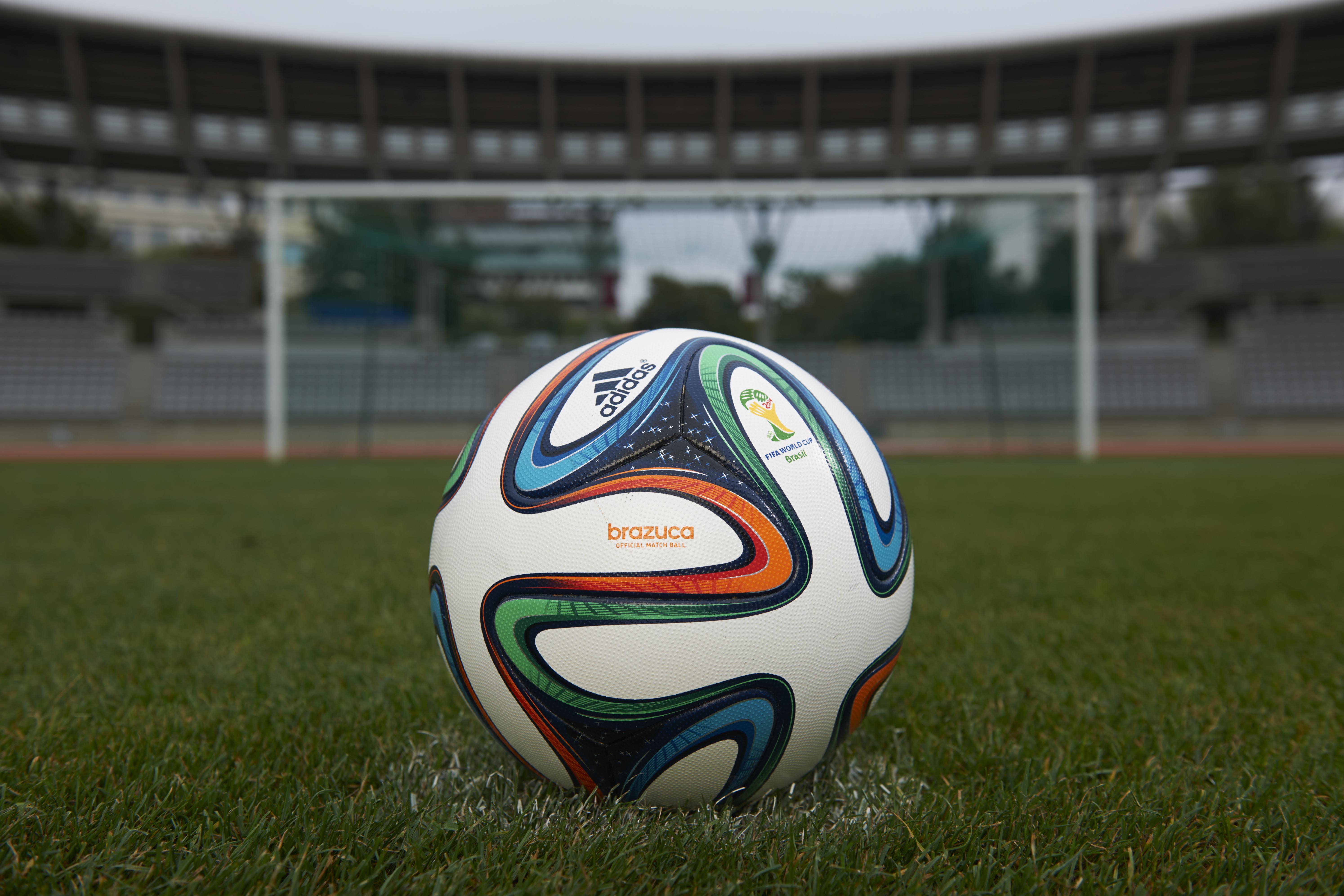 El balón brazuca ha debido superar las pruebas más exigentes durante más de  dos años y medio d21f71df5ef99